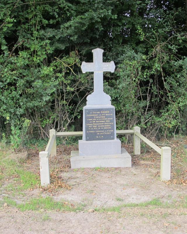 stèle dédiée au colonel Rabier